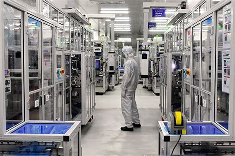 Battery giant buys stake in lithium firm - Chinadaily