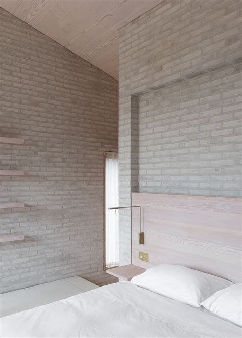 John Pawson's Life House is built from dark and light